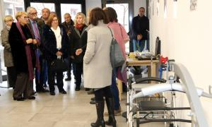 Un moment de la visita de la presidenta de la Diputació de Lleida, Rosa Maria Perelló, al centre.
