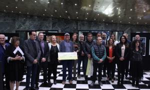 Foto de família dels guanyadors de la 35a edició d'Arts Andorra, ahir a Sant Julià.