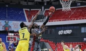 Johnathan Motley, ex-NBA, va ser l'autèntic malson del BC MoraBanc i va acabar el partit amb 29 punts en el triomf del 'Loko'.Foto: Fedor Aebor / Lokomotiv