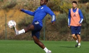 Moussa Sidibé, que va fitxar a l'estiu per la Ponferradina de segona A, no disposa de minuts amb Jon Pérez 'Bolo' i busca equip. Foto: Twitter SD Ponferradina