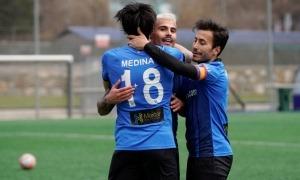 Nico Medina celebra, amb el número 1+8 com 'Bam Bam' Zamorano, un gol amb l'Inter Club Escaldes amb Gerard 'Hulk' Artigas i Genís Soldevila. Foto: Interescaldes.com