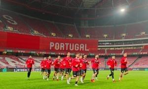 La selecció d'Andorra es va entrenar ahir a l'Estádio Da Luz de Lisboa, l'escenari del partit d'avui. Foto: FAF