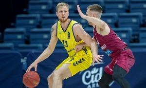 L'aler islandès del BC MoraBanc, Haukur Palsson, va anotar 12 punts contra el Lietkabelis Panevezys.Foto: PHOTO LIETKABELIS / KAROLIO KAVOLELIO