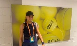 Vicky Jiménez va superar ahir la primera ronda del Trofeu Roland Garros júnior. Foto: Joan Jiménez