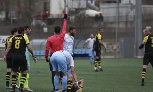 L'Atlètic Escaldes va acabar amb nou jugadors contra la UE Santa Coloma. Foto: Facundo Santana