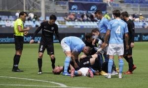 Rubén Enri i Hector Hevel van topar de front i la pitjor part se la va endur el segon. Foto: FC Andorra