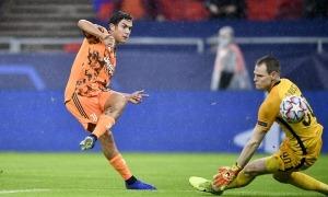 L'argentí de la 'Juve', Paulo Dybala, marcant el tercer gol al Ferencvaros a la Champions. Foto: UEFA