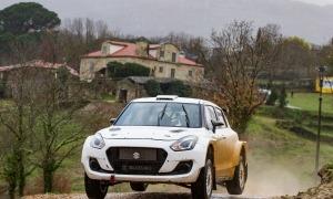 Joan Vinyes i Jordi Mercader, al volant del Suzuki Swift R4lly S a Pobra de Trives. Foto: FotoEsport