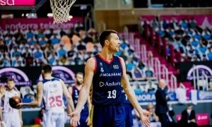 Saulius Kulvietis va arribar divendres i diumenge es va estrenar contra el Baskonia. Foto: ACB Photo / Martín Imatge