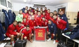Márcio Vieira va ser homenatjat pels seus companys de selecció. Foto: Twitter FAF