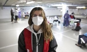 Adelia Vitorino a l''stop lab' de Prat de la Creu on fa habitualment de sanitària i ara de coordinadora.