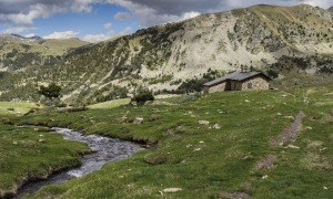 Vista del refugi de Claror, ubicat a la vall Patrimoni de la Humanitat.