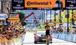 Sepp Kuss, ciclista resident del Jumbo-Visma, es va imposar a Alejandro Valverde. Foto: Comú d'Andorra la Vella / Tony Lara