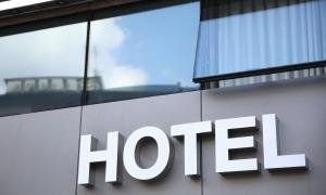 Treballadors d'hotels que porten mesos en ERTO no entenen el retard del desembre.