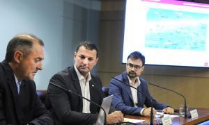 J. Nadal, director d'Andorra Telecom; J. Gallardo, ministre de Presidència, Economia i Empresa, i D.Rabella, tresorer del Club Nàutic.