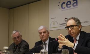 Els presidents de la CCIS, Miquel Armengol, la CEA, Gerard Cadena, i l'EFA, Francesc Mora, en la presentació del document.