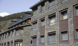 Imatge d'habitatges d'ús turístic ubicats al Tarter.