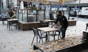 En l'actualitat, els bars i cafeteries poden obrir fins a les 8 del vespre.