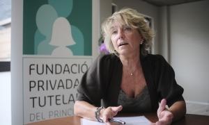 La gerent de l'entitat, Sílvia Gabarre, al nou espai de l'edifici Prat de les Oques que encara s'està condicionant.