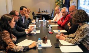Un moment de la reunió entre el candidat liberal i els representants de la Cambra.