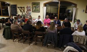 Una reunió anterior de Ciutadans Compromesos.