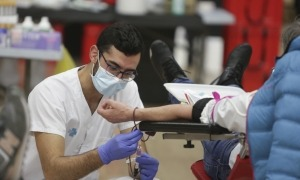 Un instant de la darrera campanya de donació de sang.