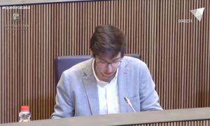 El conseller general socialdemòcrata Roger Padreny intervenint aquesta tarda al Consell General.