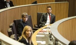 Susanna Vela i Pere López en una sessió del Consell General.