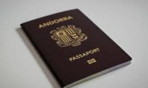 Un passaport.