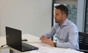 Pere López en un moment de la presentació de l'informe.