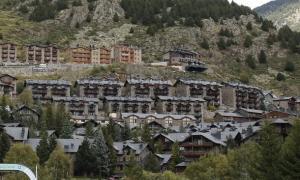 Vista de diversos blocs d'apartaments al Tarter.