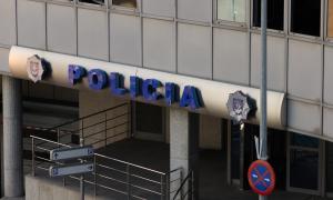 Detinguts dos homes al Pas de la Casa per sostreure 22 cartrons de tabacDetinguts dos homes al Pas de la Casa per sostreure 22 cartrons de tabac