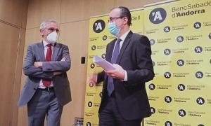 El president del BSA, Miquel Alabern, i el director general de l'entitat, Josep Segura, han comparegut aquest migdia abans de la junta general d'accionistes.