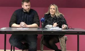 Aaron Comella i Sandra Cano, en la roda de premsa d'ahir.
