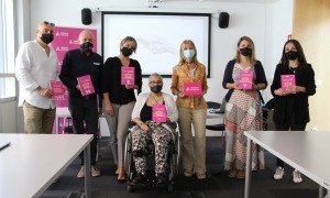 Foto de grup amb els responsables de les entitats beneficiàries.