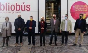 Ponsa i Fàbrega amb els alcaldes dels municipis als quals dona servei el Bibliobús