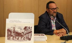Teo Armengol, autor de 'Més de 100 anys de contrapàs', en la presentació del llibre.