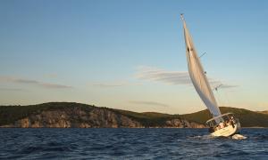 A partir de l'1 de juliol, qualsevol andorrà o resident en possessió d'una llicència nàutica podrà navegar tant en vaixells privats com de lloguer, independentment d'on s'hagin matriculat.