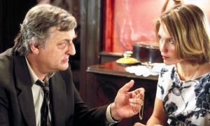 Bruno Creber és el comissari Maigret i Marianne Basler, 'madame' Quatre, en l'adaptació televisiva de la novel·la que circula pel Youtube.