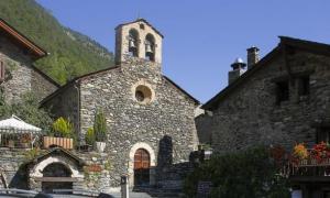 L'església de Sant Serni de Llorts.