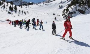 Jornada d'esquí escolar, activitat que s'ha reprès aquesta setmana.