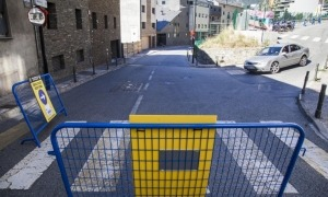 La circulació pel carrer ja s'ha modificat avui.