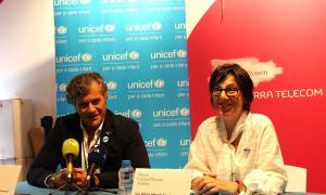 El director artístic del Museu Carmen Thyssen Andorra, Guillermo Cervera i la directora d'Unicef Andorra, Marta Alberch, en la presentació de l'activitat conjunta.