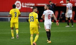 Manuel Nieto va debutar a primera divisió espanyola amb el Cadis contra el Sevilla.