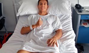 Xavi Cardelús després de ser operat a l'Hospital Universitari Dexeus de Barcelona.