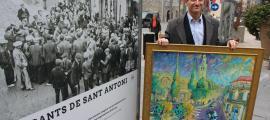 El conseller de Cultura del comú d'Escaldes-Engordany, Salomó Benchluch, amb el quadre de Lluís Bardají.