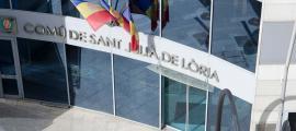 La façana del Comú de Sant Julià de Lòria.
