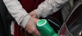 La gasolina ha presentat variacions positives mentre el gasoil de locomoció ha disminuït un 2,4%.
