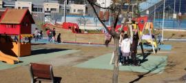 Un dels parcs infantils del Prat del Roure.