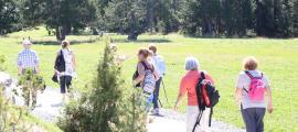 La caminada forma part del programa 'Envelliment saludable'.